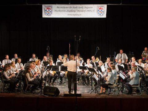 Bild Musikverein Siegklang beim Sommerkonzert 2017